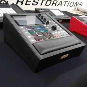 Akai-mpc-one-stand