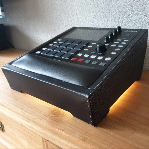 MPC One stand